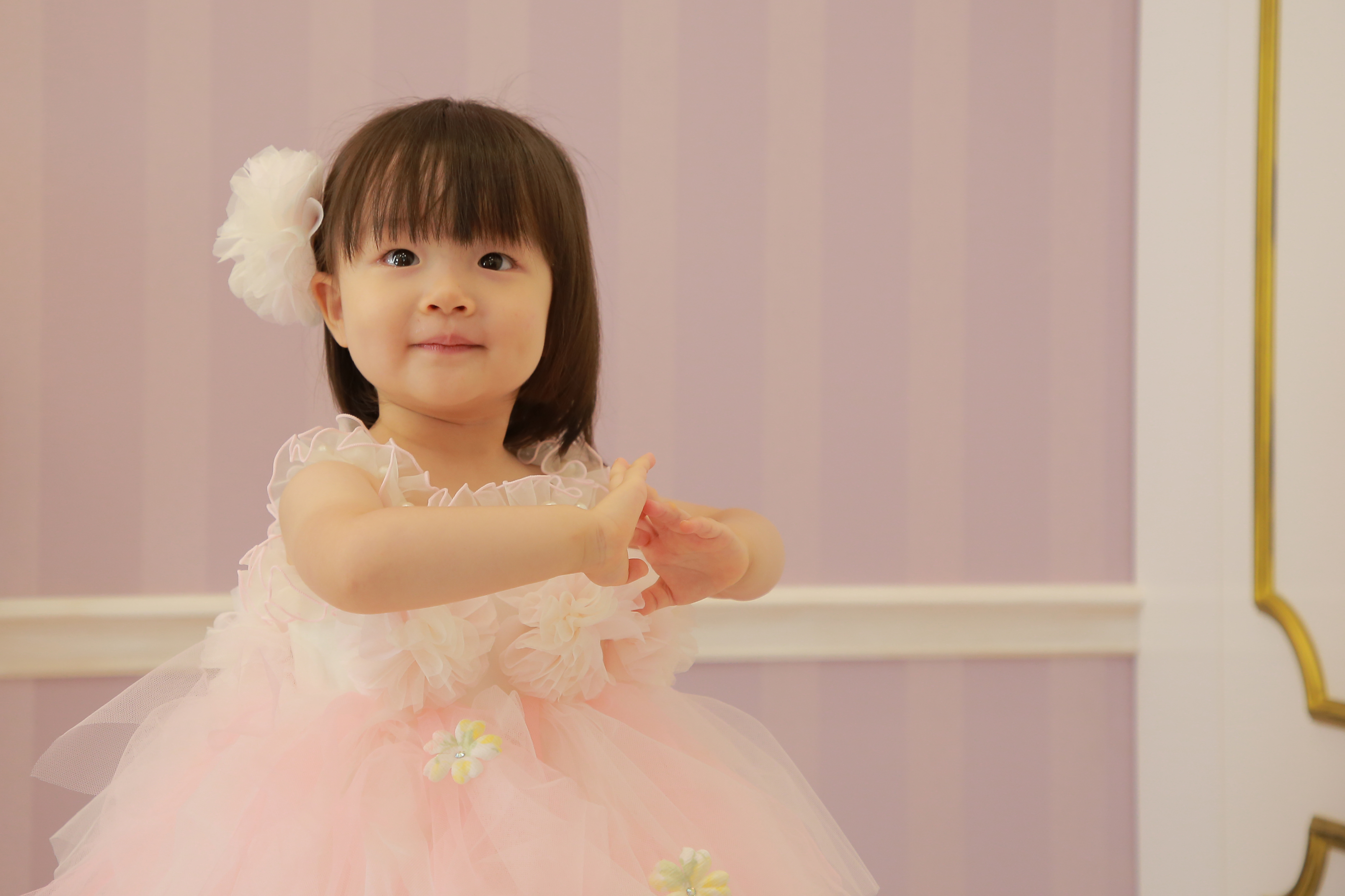 【天使すぎる】結婚式で子供に着せたいおすすめドレス&服装の注意点